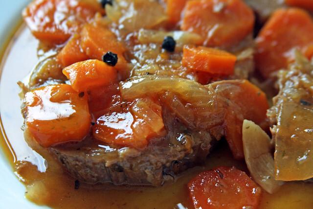 Peceto con salsa criolla
