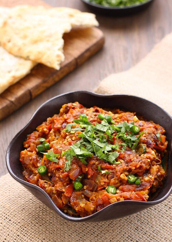 "BAINGAN BHARTA OR SMOKY MASHED EGGPLANTS - A GUEST POST BY TANVI AT ""SINFULLY SPICY"""