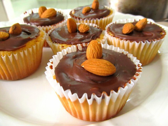Mini Cupcake de Baunilha com Ganache
