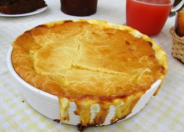 Torta cremosa de atum feita no liquidificador