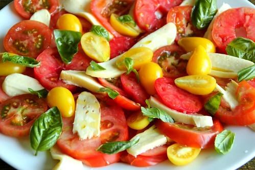 Tomato, Basil & Mozzarella Salad