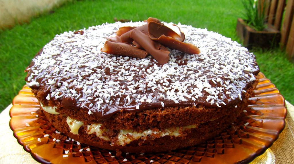 Bolo Prestígio - Chocolate e Coco