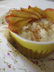 Arroz doce de forno com maçãs ao mel