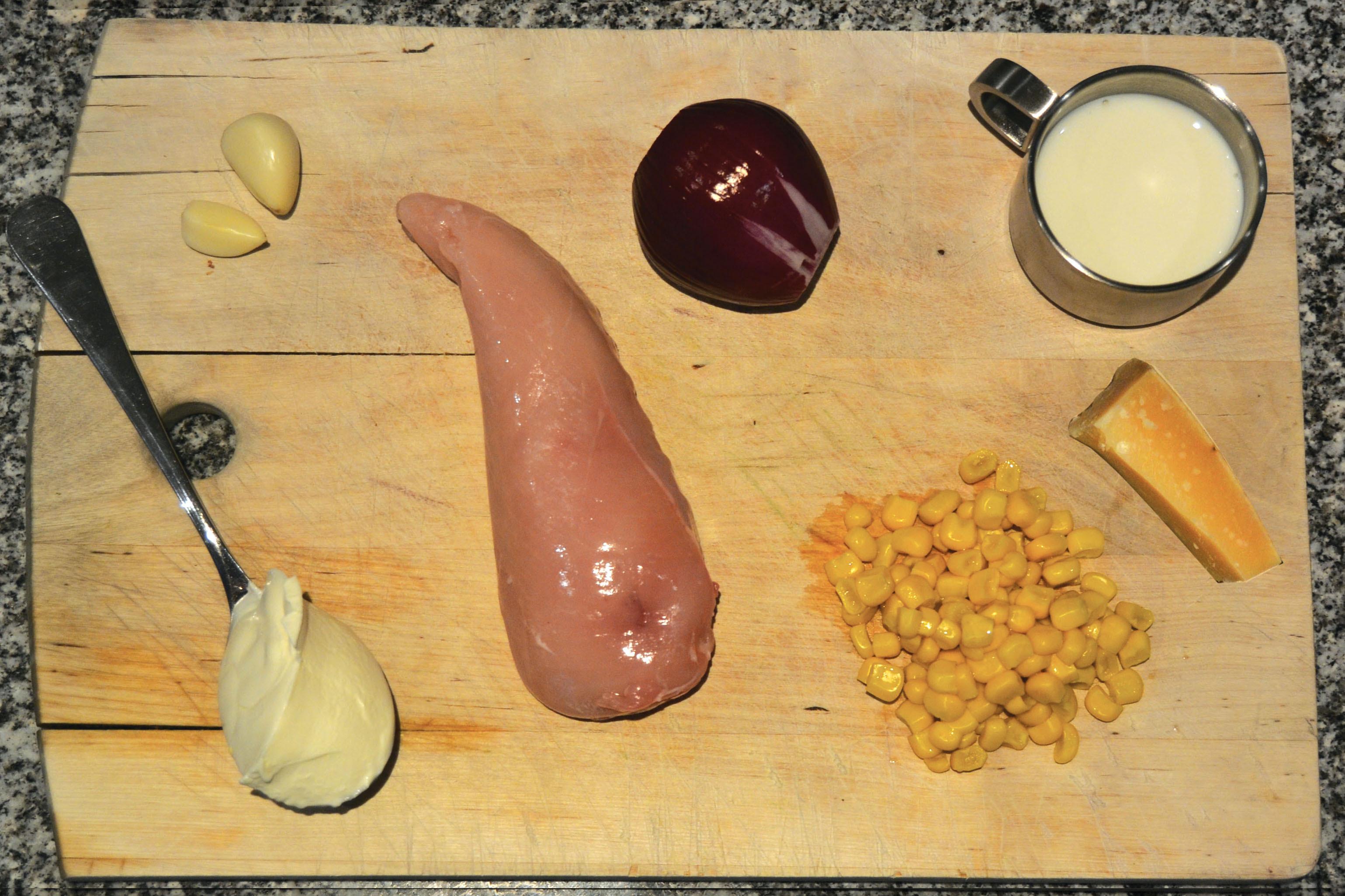 como fazer uma farofa de peito de frango desfiado
