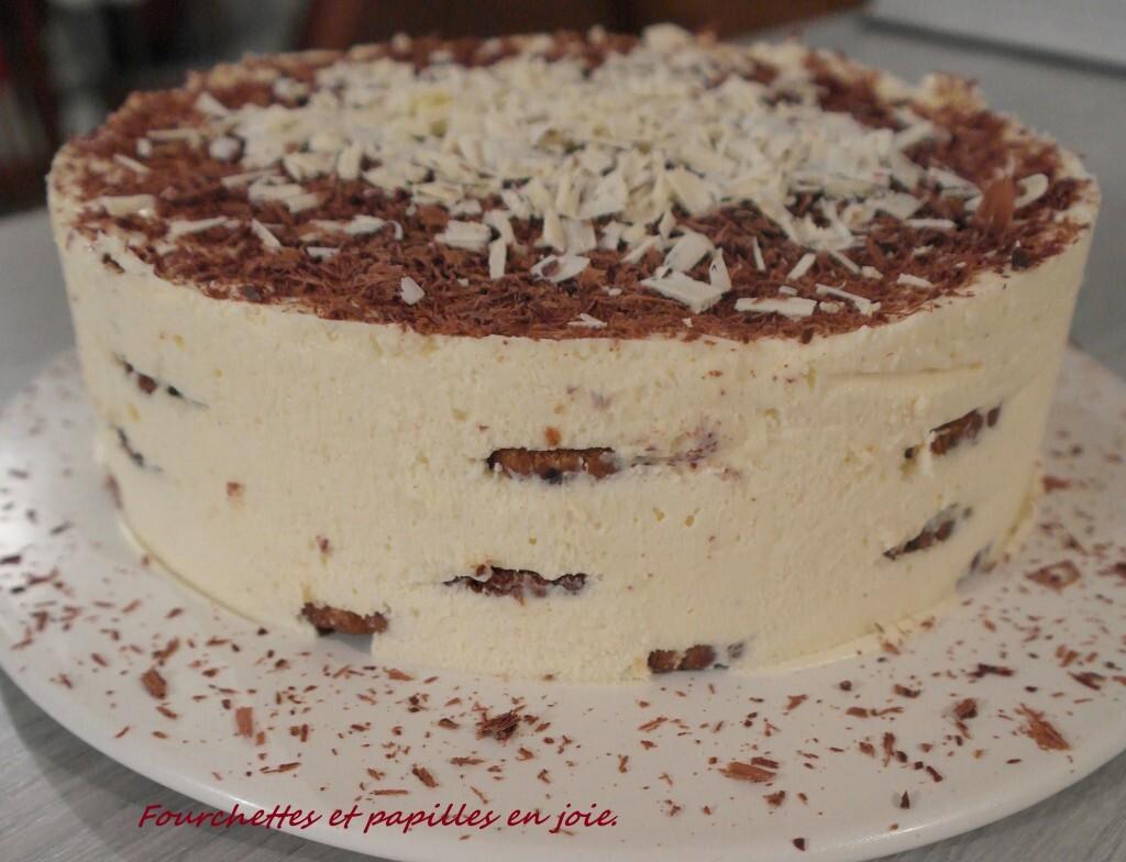 Bolo de Bolacha com chocolate branco. (Gâteau aux biscuits)