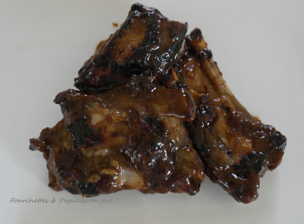 Travers de porc au miel et aux épices.
