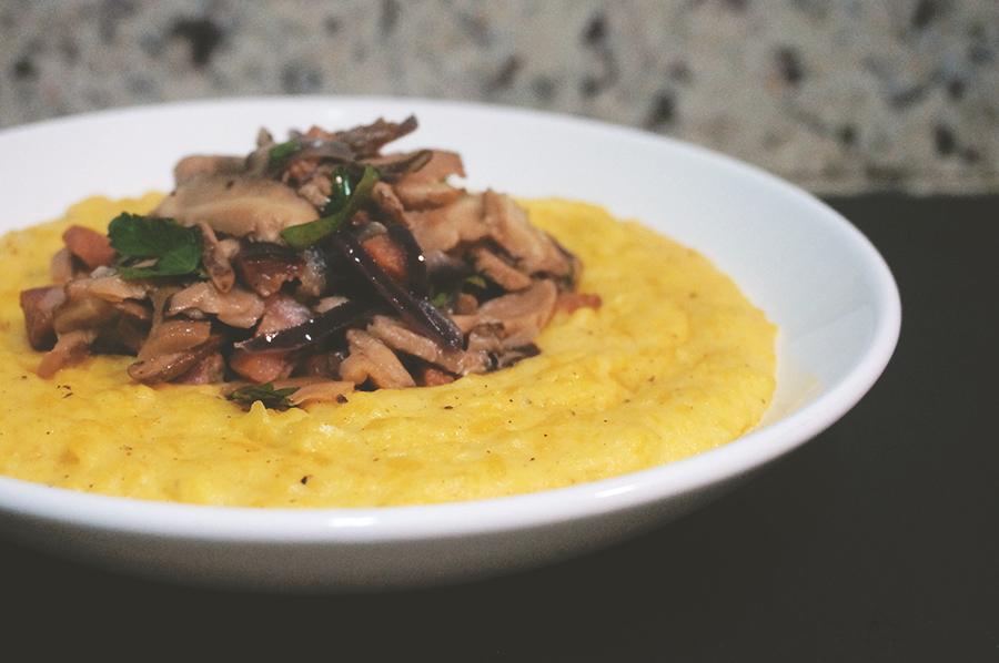 purê de batata baroa com cogumelos e bacon