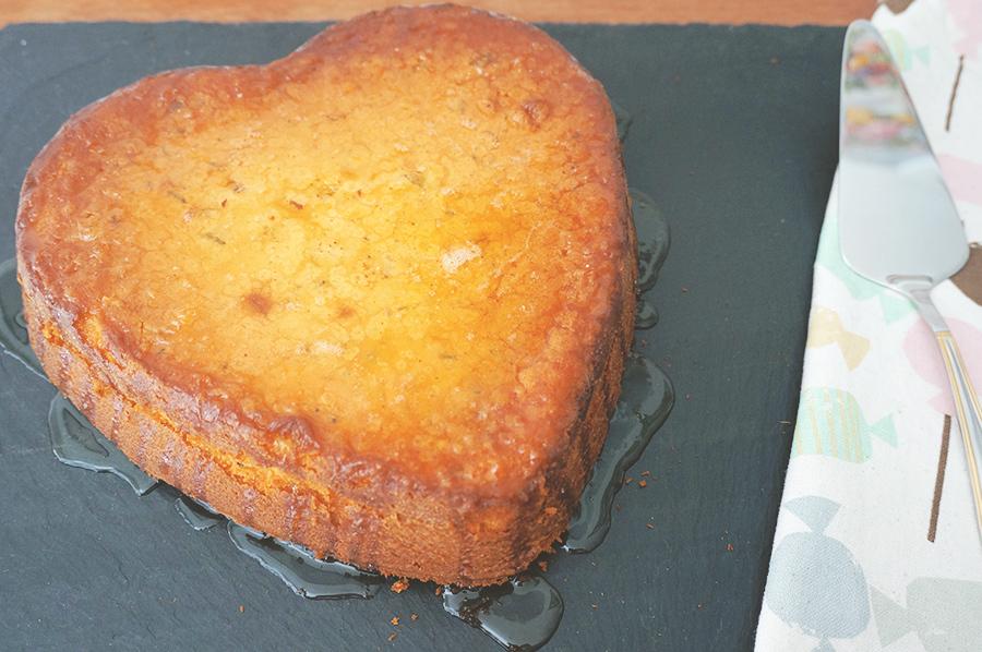 bolo de limão com alecrim
