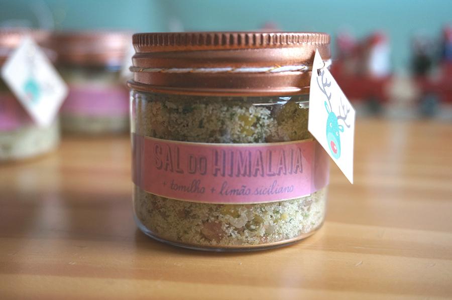 sal do himalaia com limão siciliano e tomilho