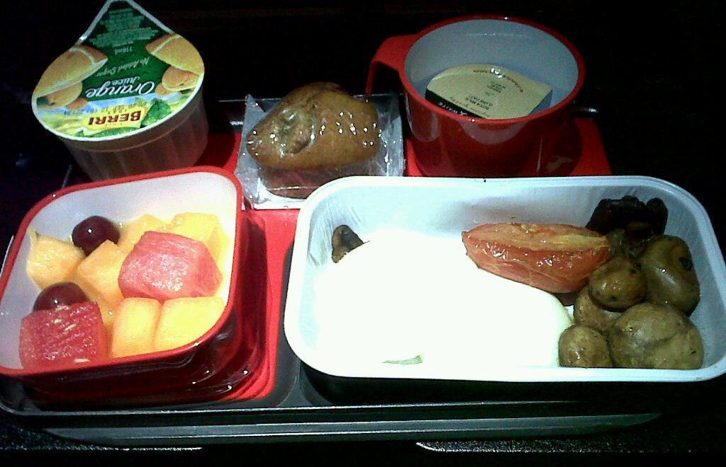 Qantas International meals – I just wish I could eat egg yolks…