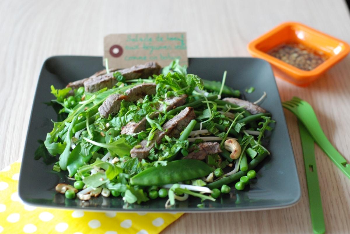 Salade de légumes verts au bœuf, sauce bobun