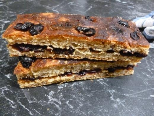 Schiacciata / Sweet Focaccia with Raisins & Muscovado