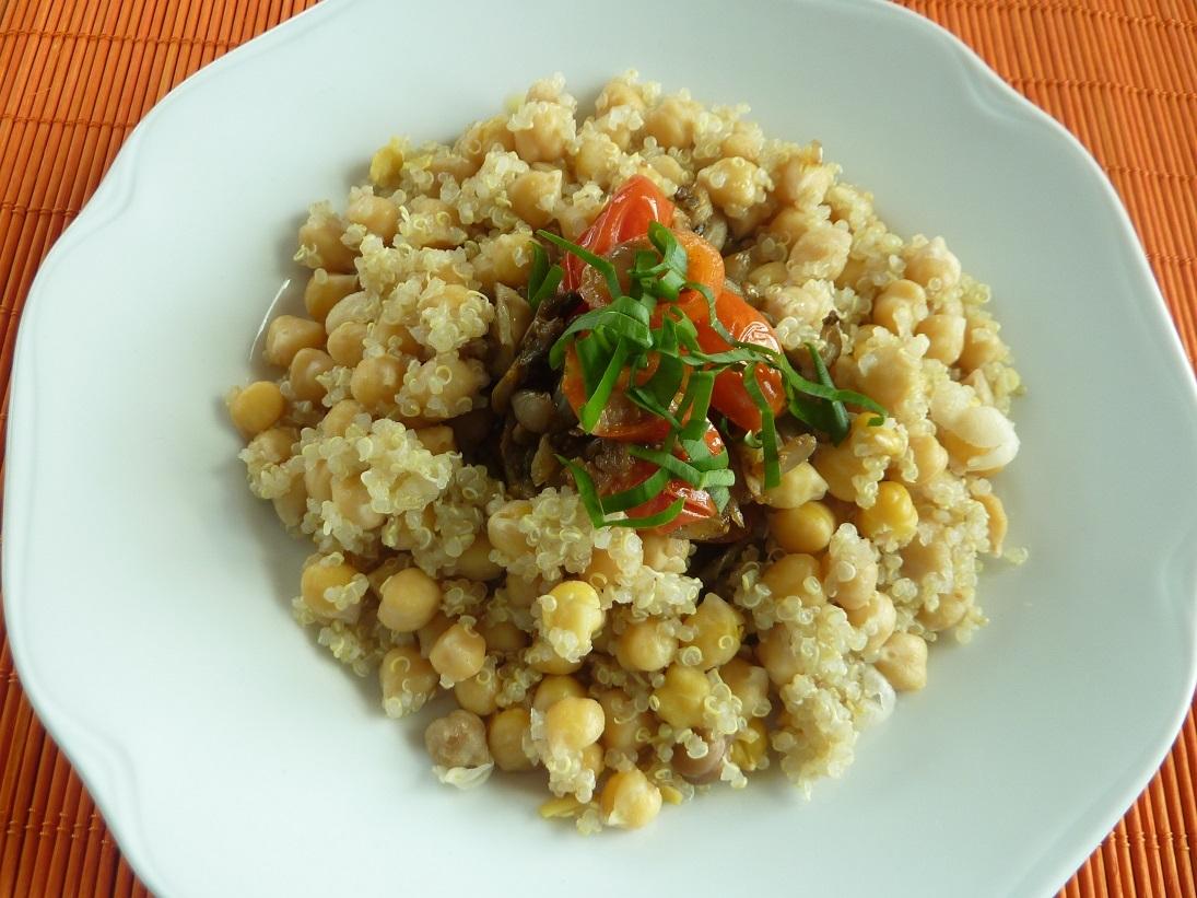 Hliva ustricová  s quinoou a cícerom