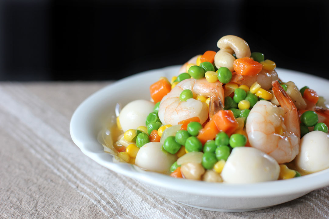 Sipo Egg (Mixed Vegetables with Shrimps and Quail Eggs)