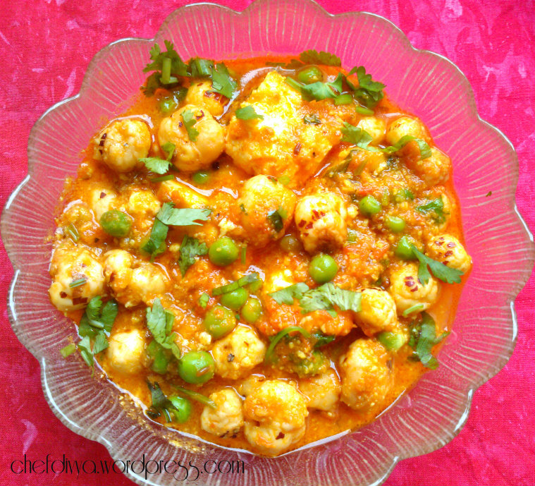 Lotus seeds curry with Peas, Cottage cheese & Cashew (Makhane ki Subzi)