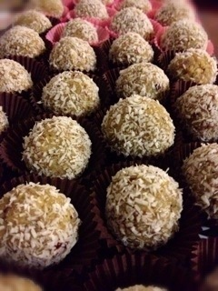 Happy Navratri – Cranberry, Pistachio and Coconut Balls