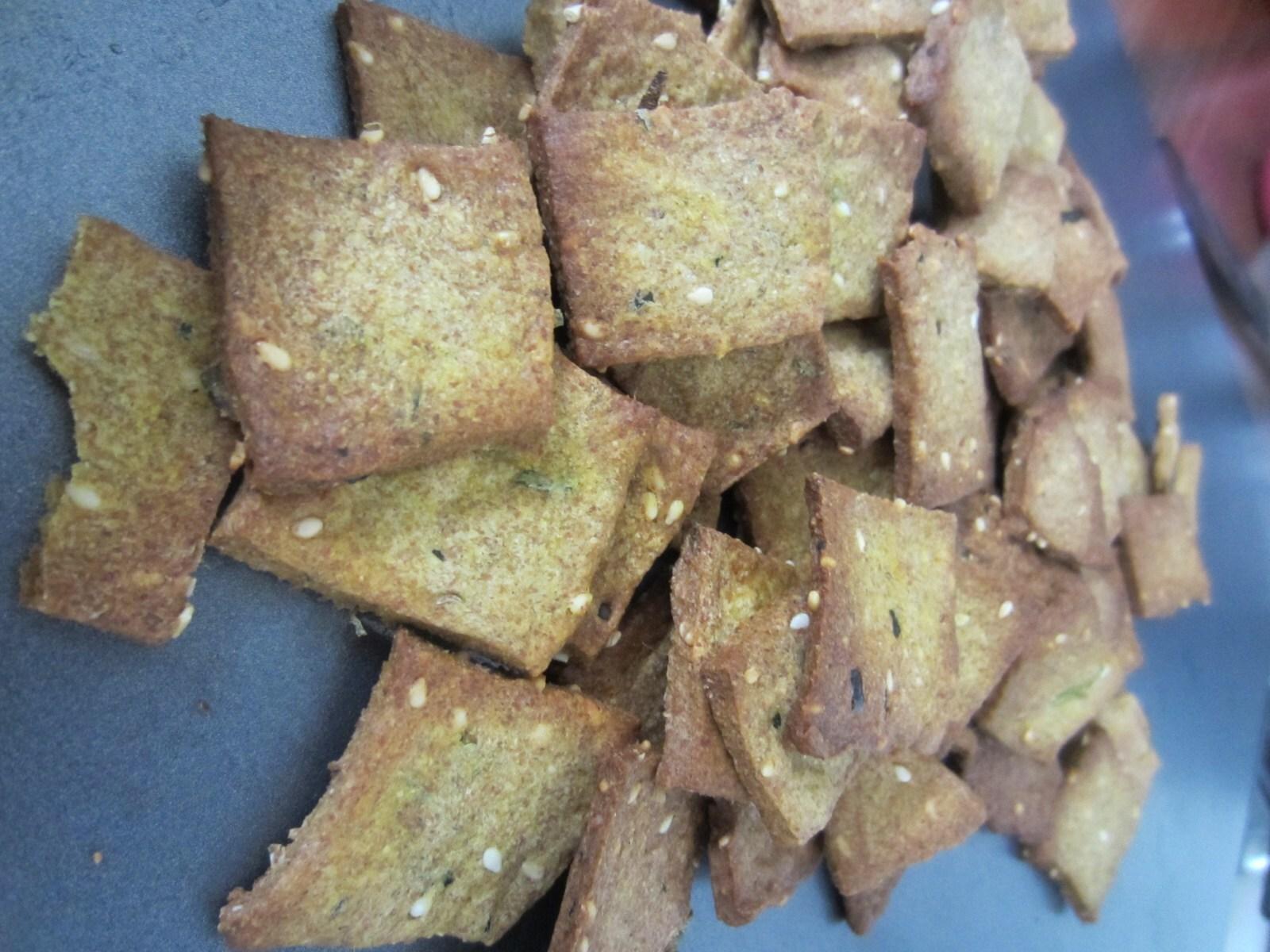 Gujarati Baked Masala Crackers