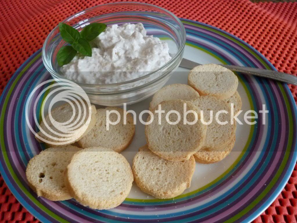 pasta de alho com creme de cebola e creme de leite