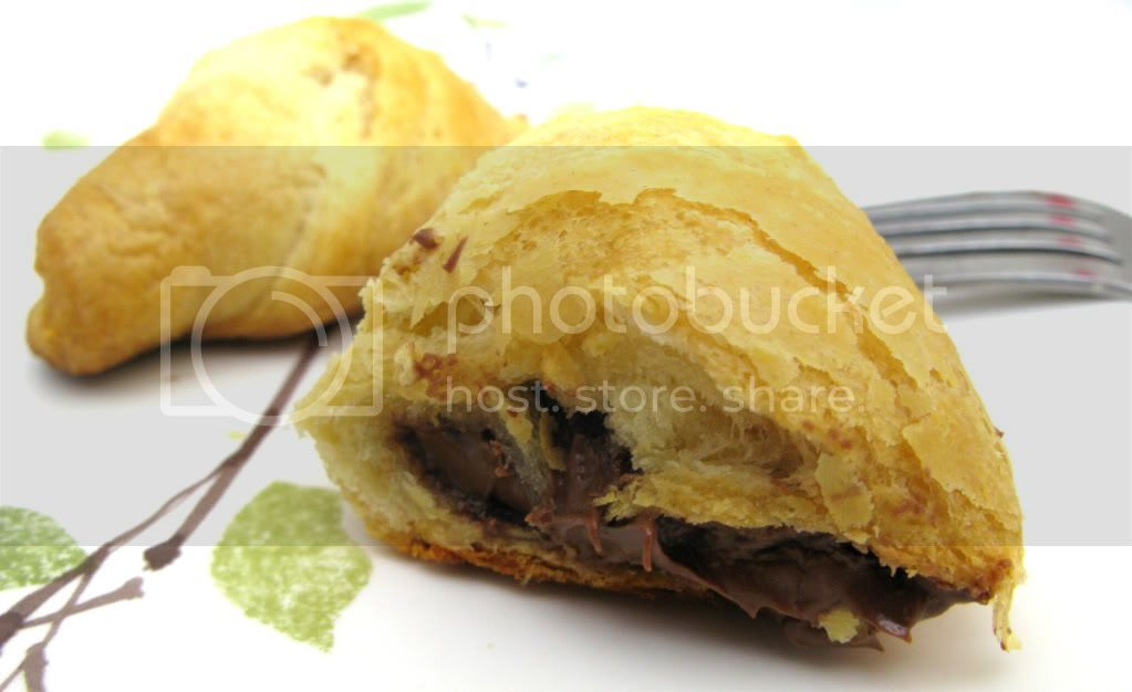Pillsbury Crescent Dinner Rolls with Nutella