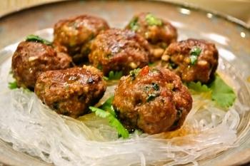 【サイゴンミートボール】ベトナム風で風味と食感がクセなります!