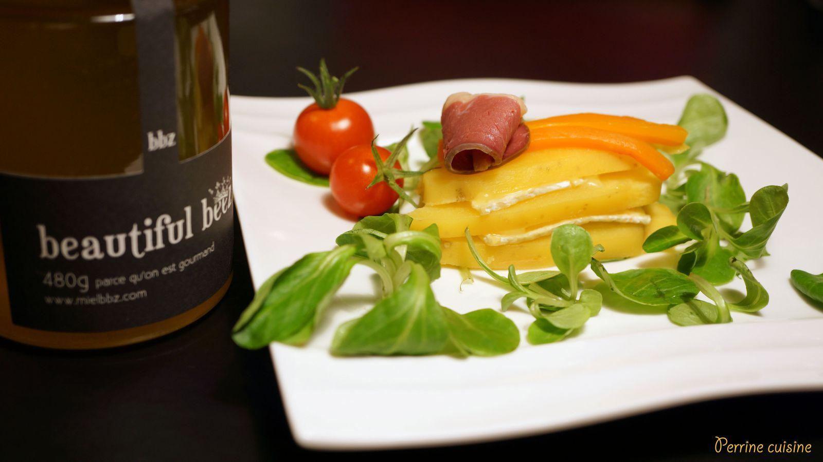 Millefeuille Brie-pomme de terre, julienne de carottes au miel épicé et émincé de magret de canard séché // au miel toutes fleurs Beautiful Beez