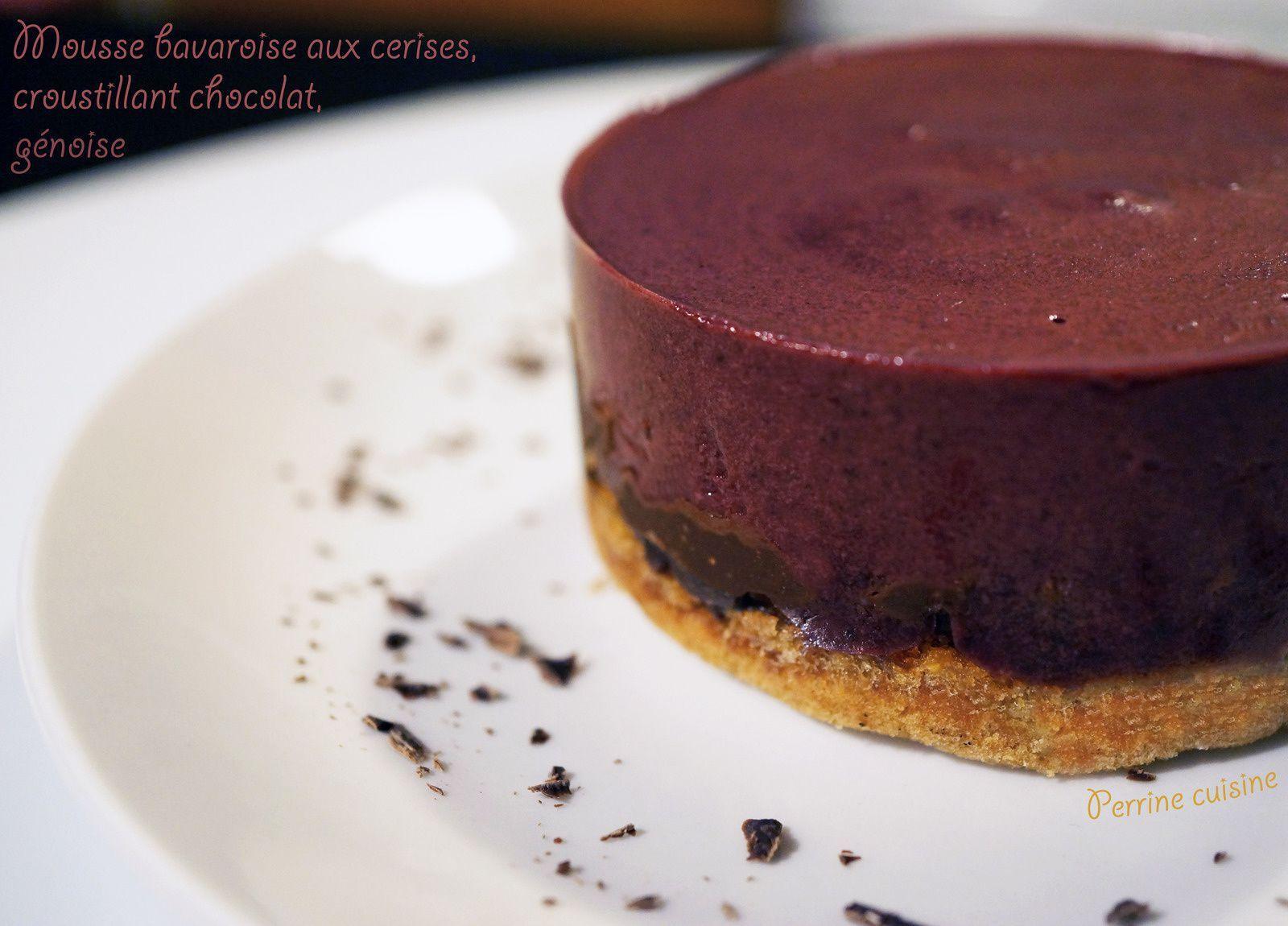 Mousse bavaroise aux cerises, croustillant chocolat sur génoise