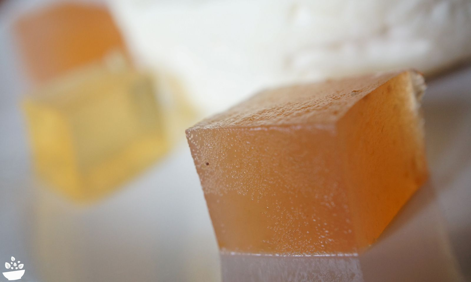 Cubes de pâte de coing L'Epicurien  {en brochettes avec une tomme de brebis et du magret de canard fumé}
