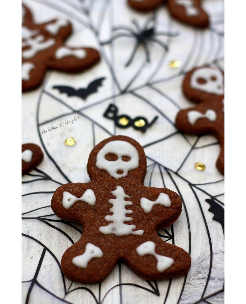 "Biscuits ""squelette"" au chocolat"