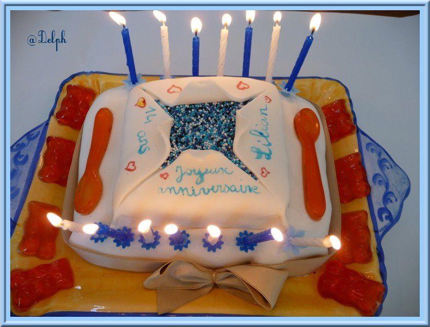 Gâteau d'anniversaire au chocolat.