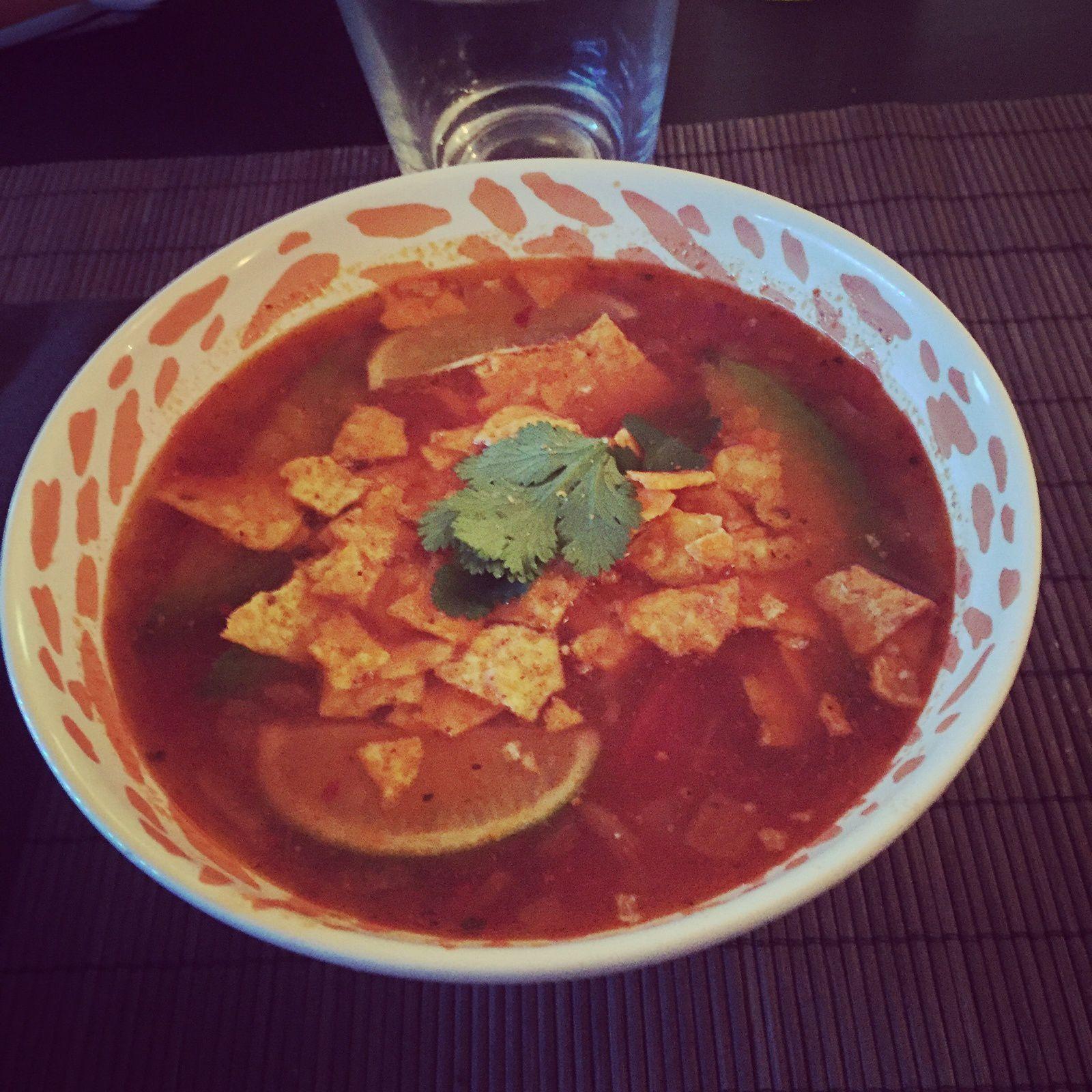 Soupe mexicaine aux tortillas