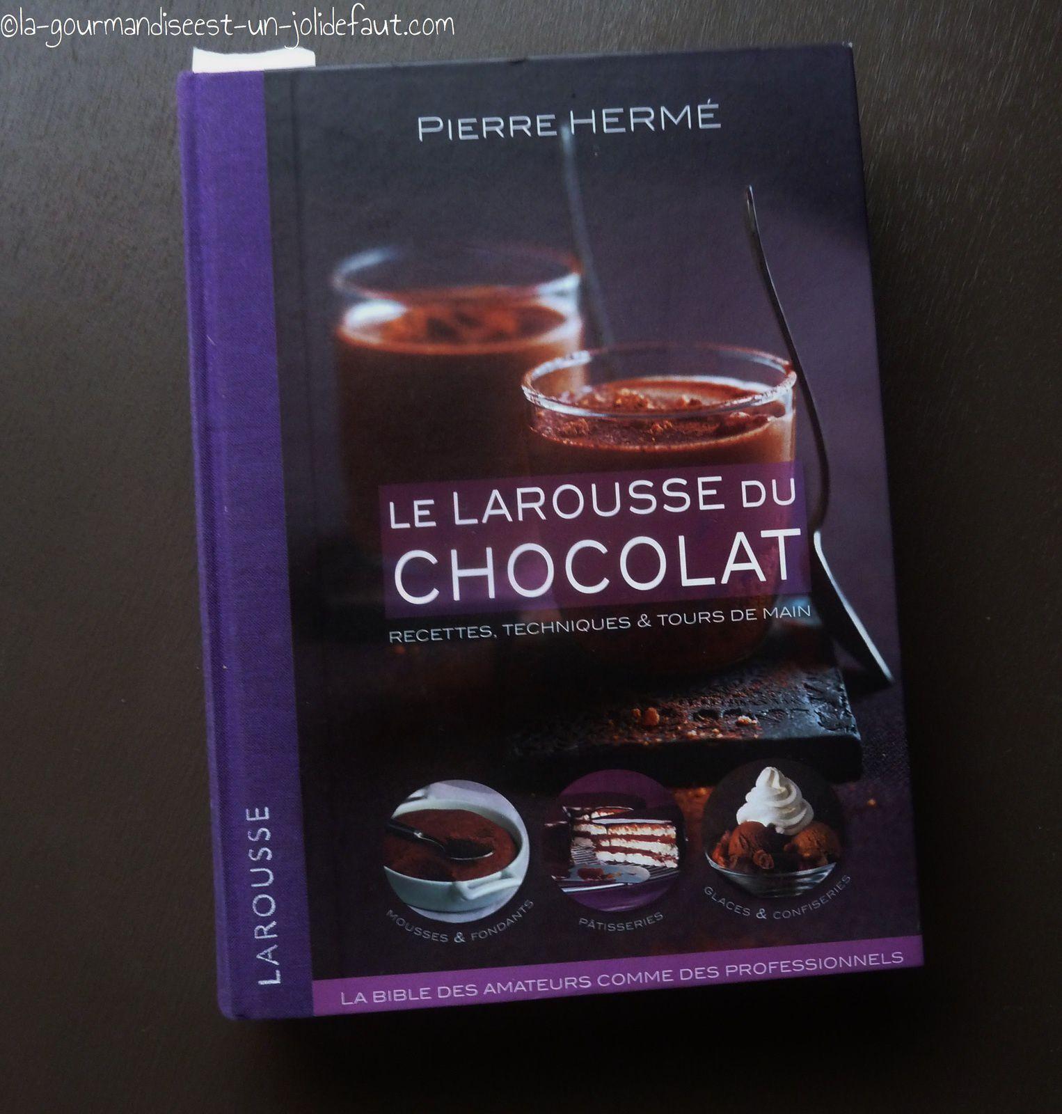 Dans ma bibliothèque: Le Larousse du chocolat