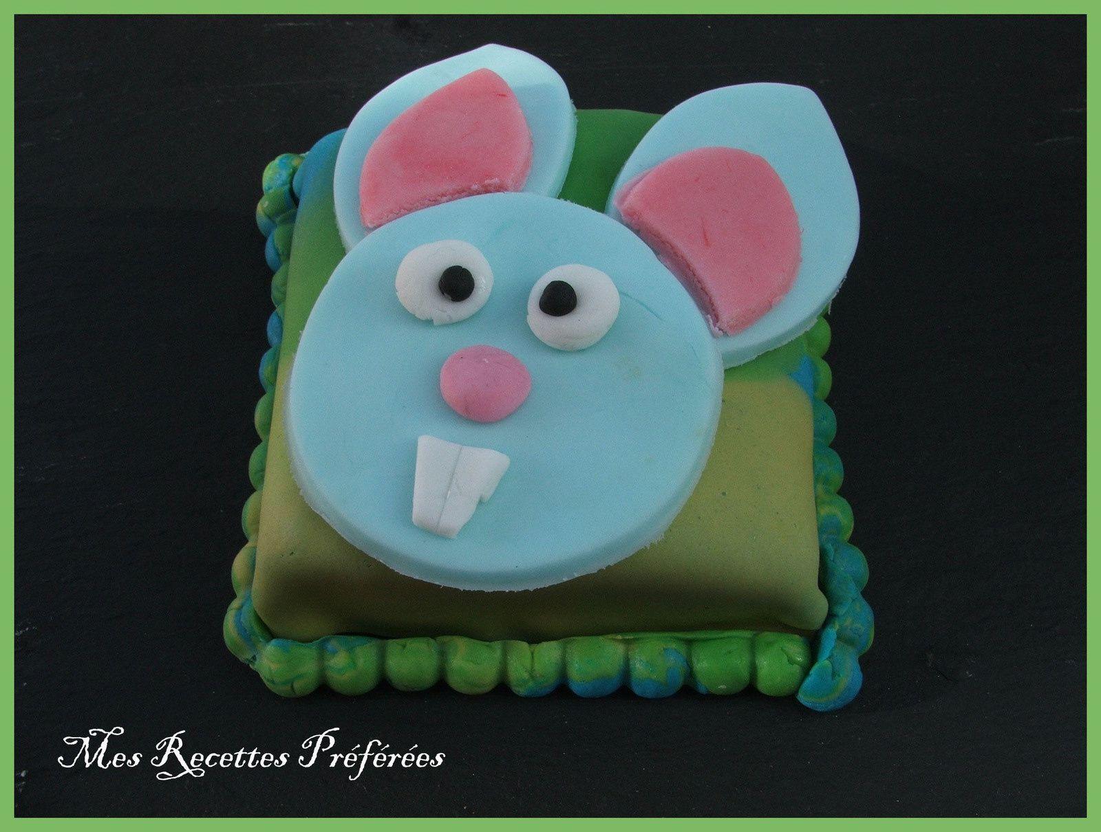 Petit gâteau à la limonade en déguisement de Pâques
