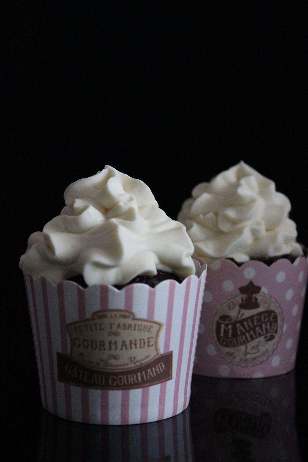 Cupcakes au chocolat noir et ganache montée chocolat blanc