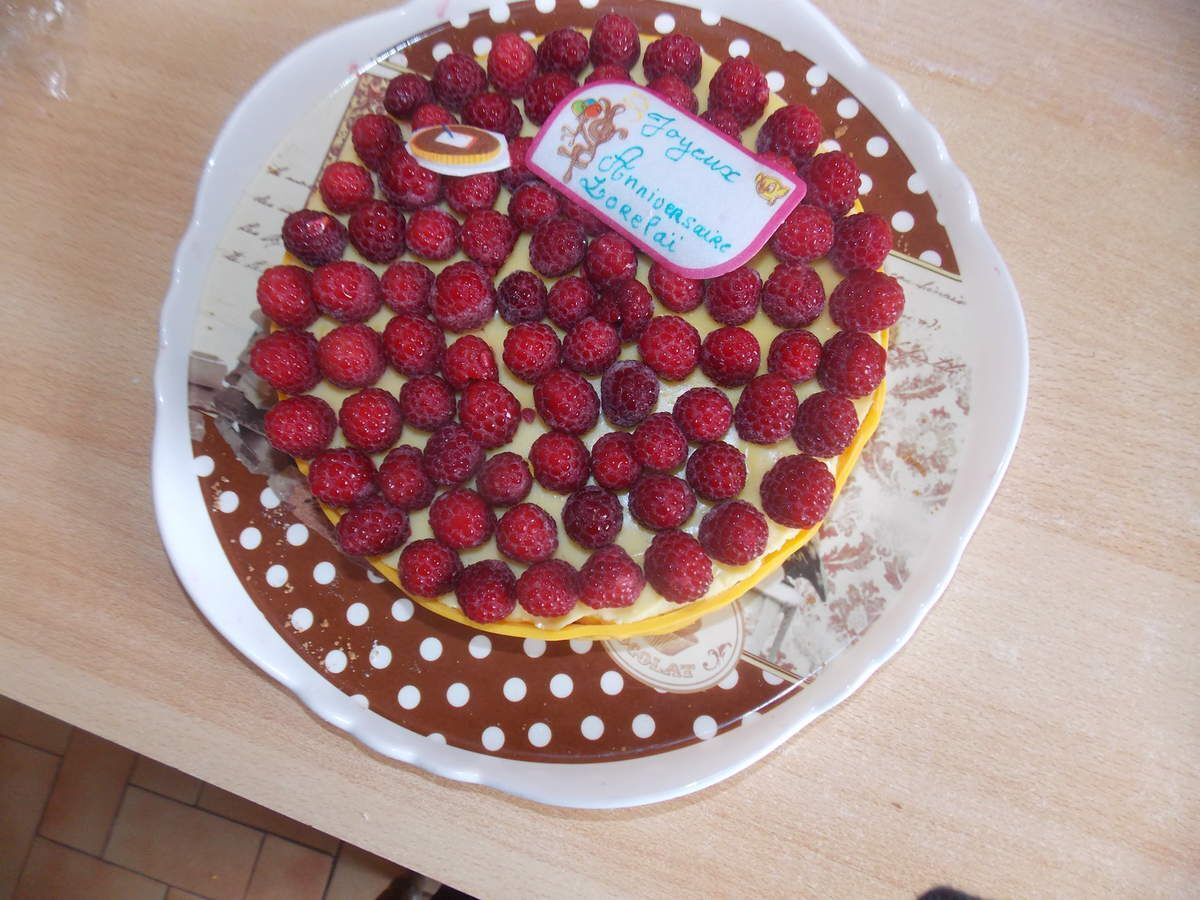 """Gateau d' anniversaire """"Bavarois aux fruits rouges, spéculos"""