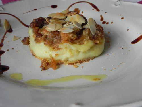 Boudin blanc croustillant, marrons, écrsée de pommes de terre