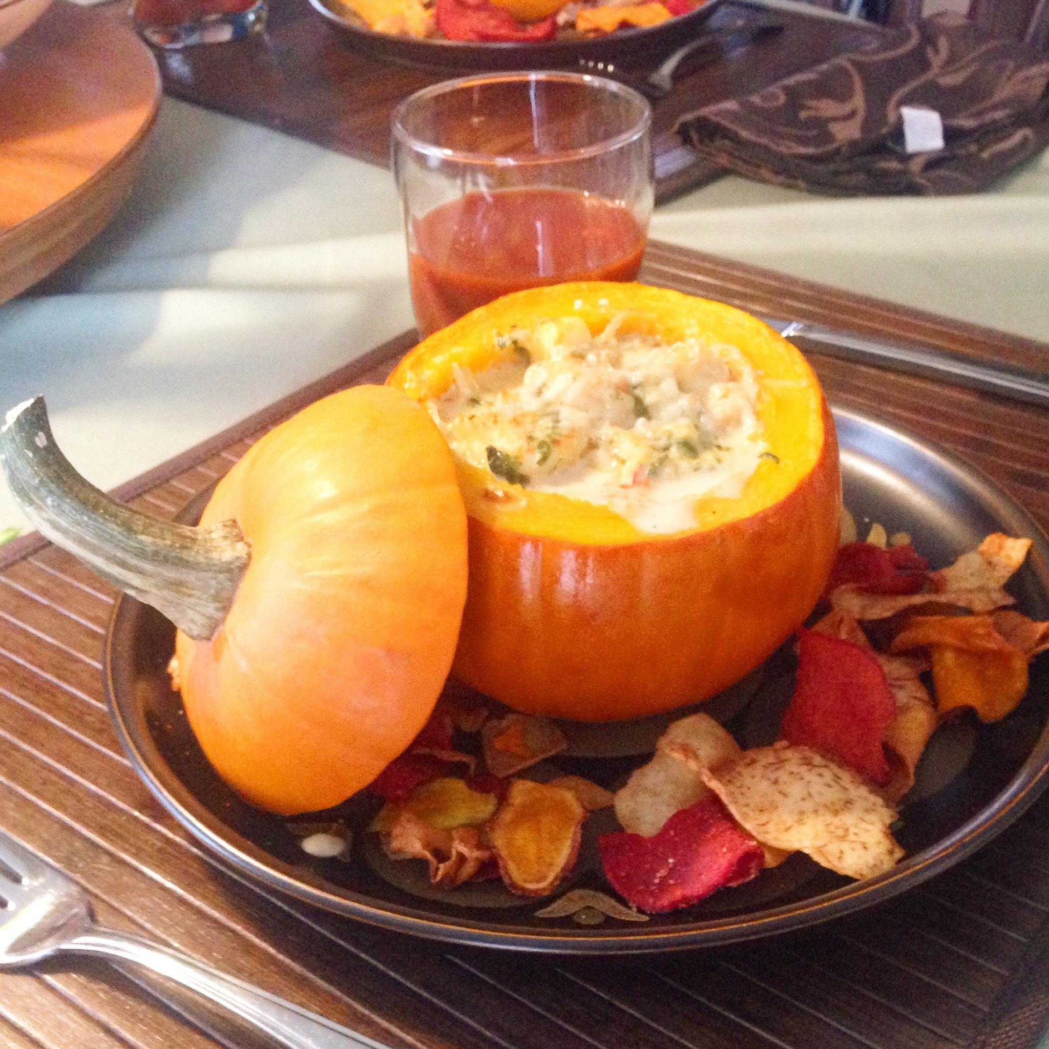 Para comemorar o dia das bruxas, o chef Guga Rocha prepara uma deliciosa receita de abóbora de Halloween
