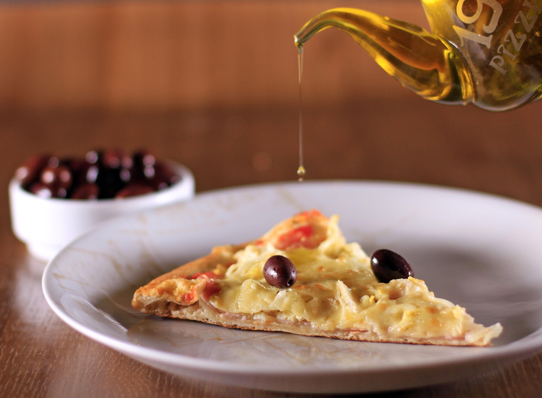 1900 Pizzeria celebra Dia da Pizza com 50% de desconto e abertura no almoço