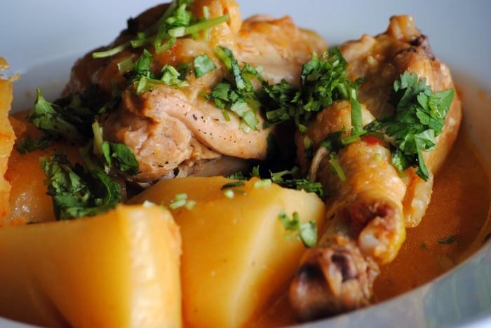 Un sudado de buen pollo Colombiano