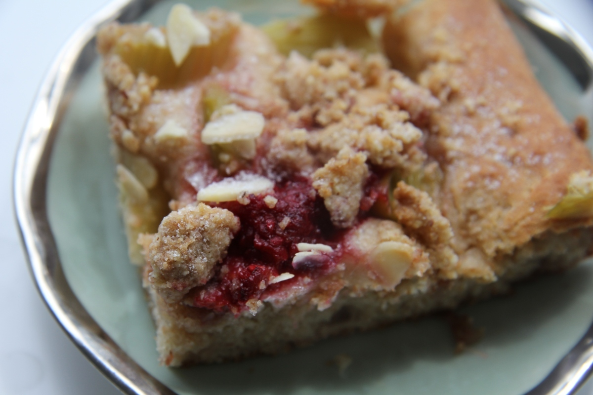 Kysnutý koláč s rebarborou