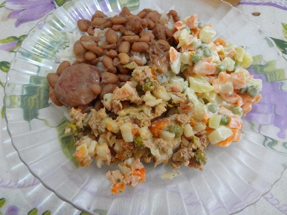 Salada com Atum, Batata, Ervilha e Cenoura Gomes da Costa
