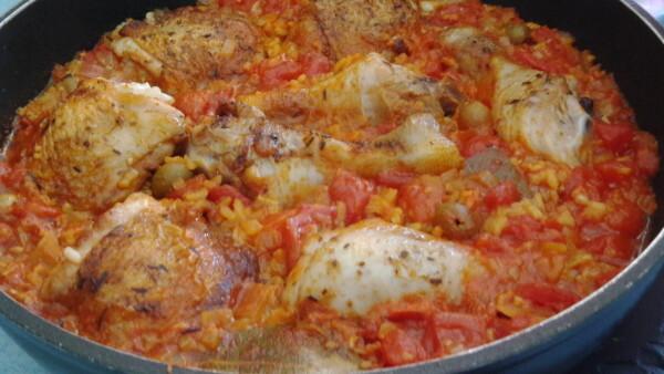 Spanische Reispfanne mit Hühnchen