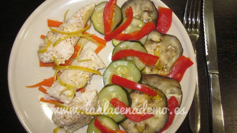 Pollo al limón con verduras al vapor con thermomix