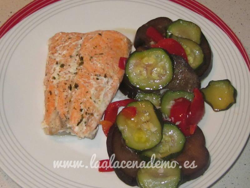 Salmón con verduras al vapor con thermomix