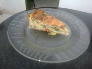 tarta de zapallitos verdes y salsa blanca