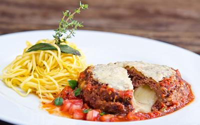 Polpettone La Pasta Gialla O autêntico polpettone que o Chef Sergio Arno trouxe da Itália.