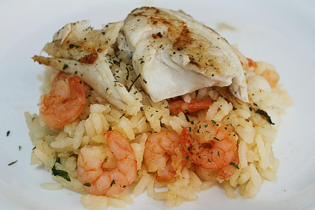 arroz com camarão seco salgado