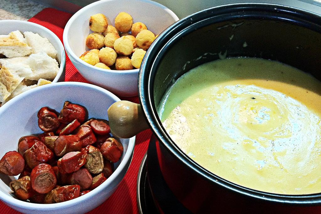 fondue caseiro de queijo