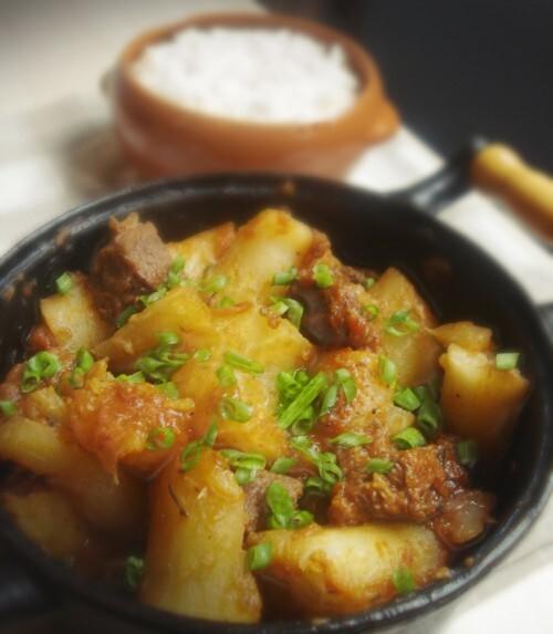 Vaca atolada é um prato típico da comida caipira.muito popular em Minas Gerais.