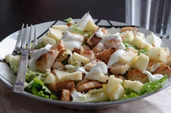 Salade croquante au poulet
