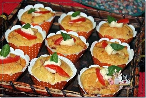 Cupcake Salgado de Queijo com Peito de Peru defumado